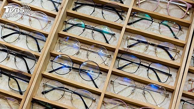 現代人近視配戴眼鏡的比率愈來愈高。(示意圖/TVBS)