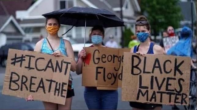 Sejumlah bagian Minneapolis, Amerika Serikat, hebat terbakar sejak Kamis (28/5/2020) pagi, setelah warga setempat turun ke jalan memprotes kematian George Floyd. [Antifa]