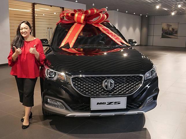MG Motor Indonesia Serahkan Unit ZS Pertama ke Pelanggan