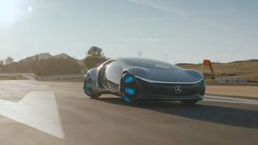 賓士阿凡達概念車VISION AVTR試駕影片公布,真的可以「橫著開」