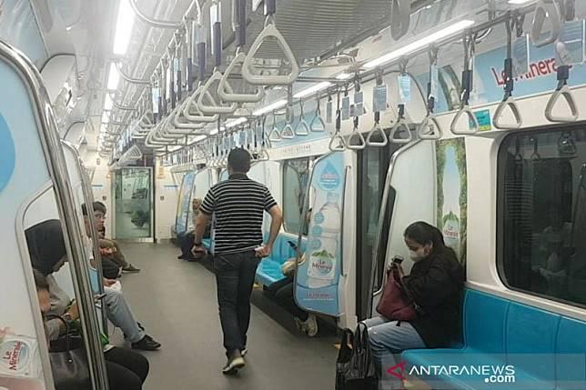 MRT masih beroperasi normal meski dua pintu masuk ditutup