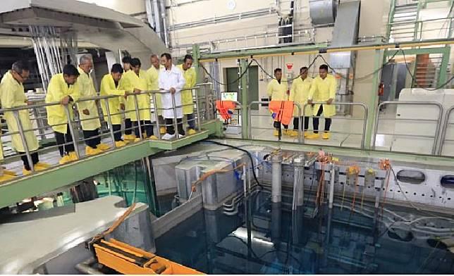 Warga mengunjungi reaktor nuklir RDE milik Badan Tenaga Nuklir Nasional di Serpong, Tangerang Selatan, Selasa, 25 September 2018. (batan.go.id)