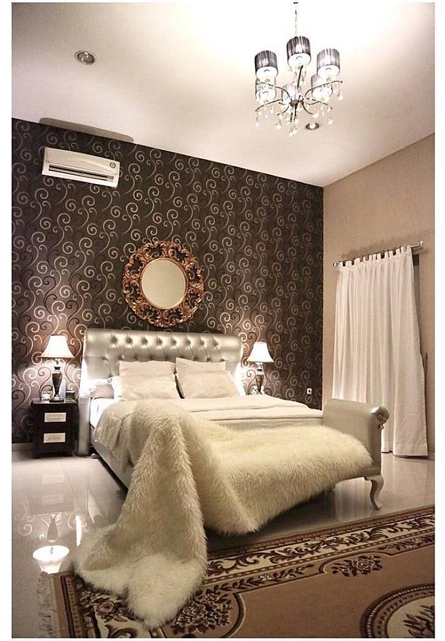 Ruang tidur dari rumah Roy Kiyoshi