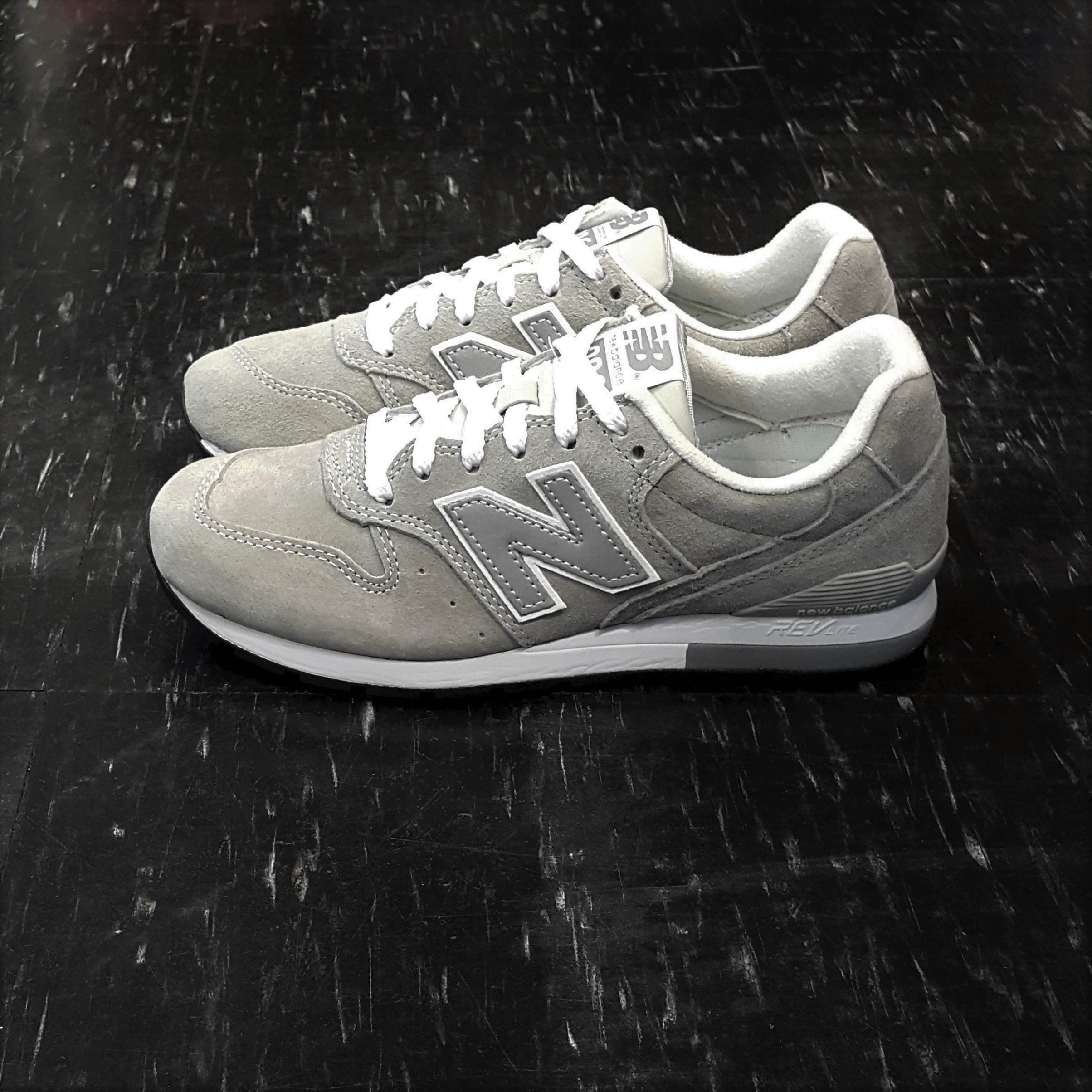 new balance nb 996 MRL996DG 灰色 淺灰色 元祖灰 經典款 麂皮 網布 質感 慢跑鞋