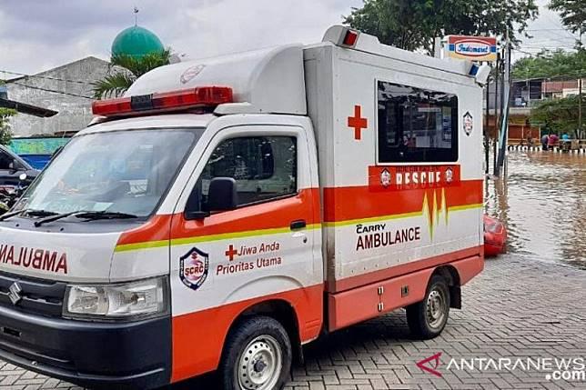 Suzuki Club Reaksi Cepat bantu evakuasi banjir Bekasi