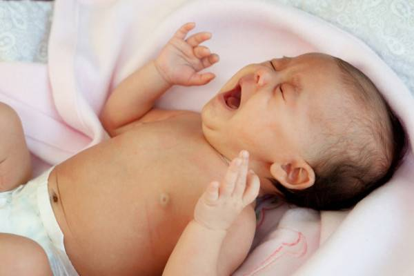 Tips Anti-Panik saat Bayi Anda Kolik