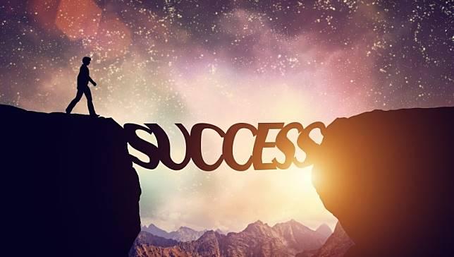 不是你不會賺錢,而是沒有「引起自己的興趣」…成功人士好習慣養成靠2點
