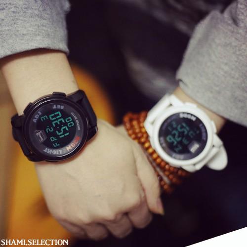 情侶超閃對錶限時限定檔,超划算小編自己也在戴,這款也太好看了吧!不用懷疑,限時大特價喔品質好,質感佳,非市售劣質品真的是無敵百搭耶,整個超適合夏天的辣隨便配隨便好看,太犯規了真的另外可加購超美包裝手錶