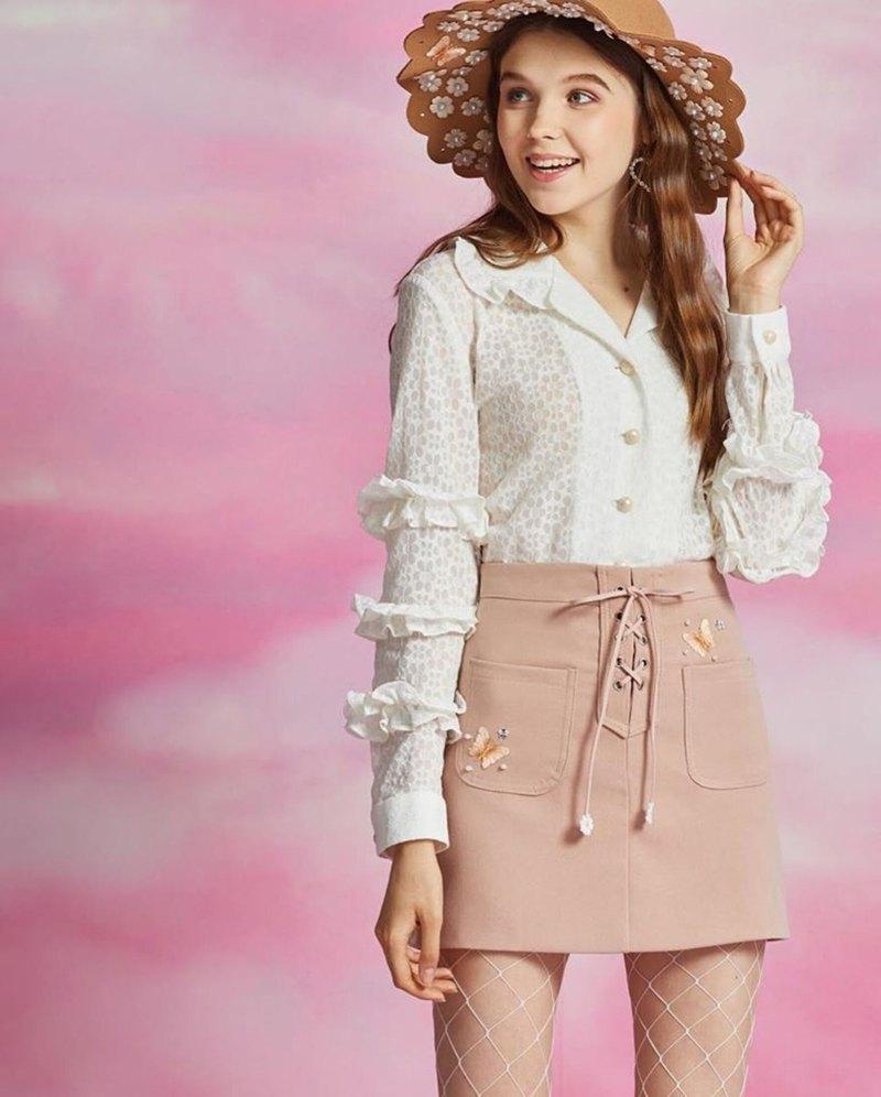 """✒""""白色雛菊夏威夷襯衫"""" 圓領和袖子的S-khao襯衫日本提花花邊作品,花卉圖案"""