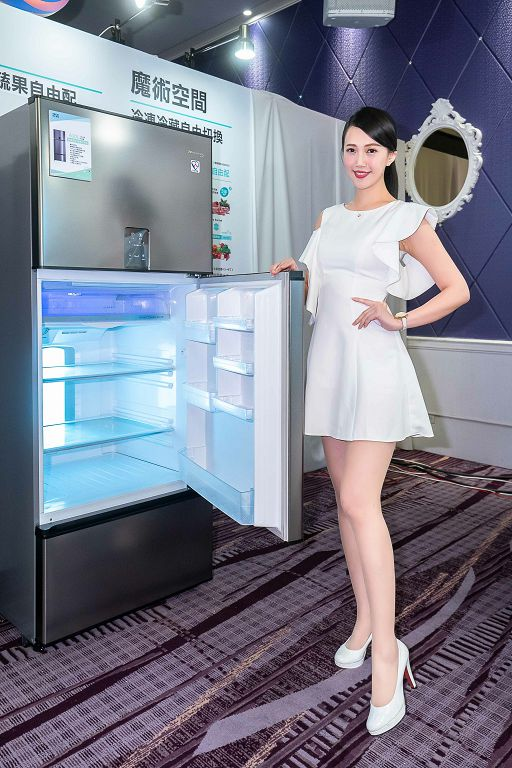 冰箱內藏魔術空間,可對不同食材特性,提供微凍、冰溫、冷藏等最佳保存溫度。