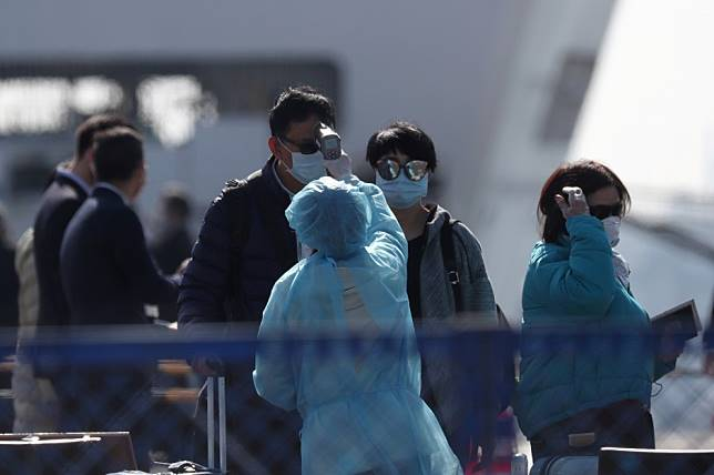 Coronavirus: one more Hongkonger infected on Diamond Princess cruise in Japan, at least 120 eager to take chartered flight home