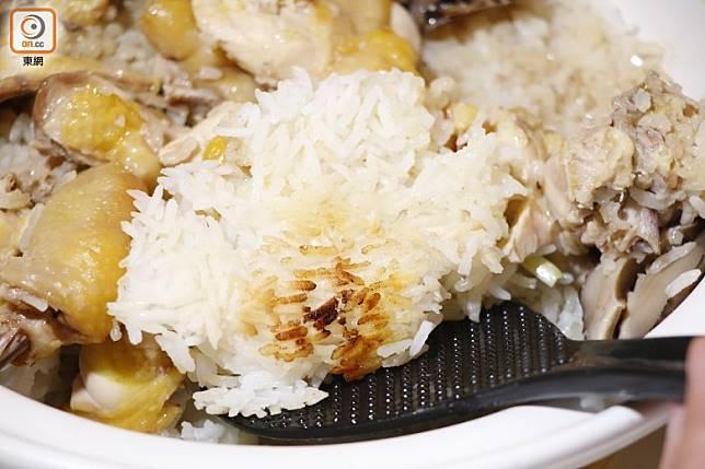 中式煲仔飯的飯焦,是不少至愛美食。(郭凱敏攝)