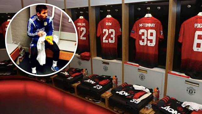 Alasan Ada Foto Messi di Ruang Ganti Manchester United