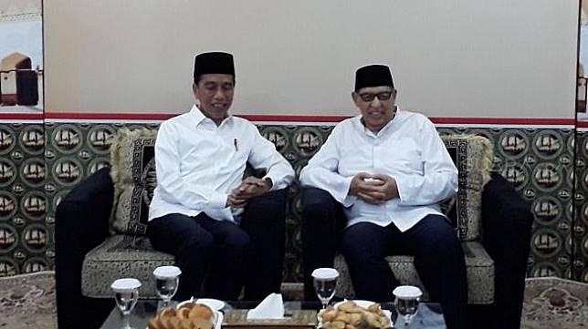 Tokoh cendekiawan Islam Quraish Shihab saat bertemu Presiden Joko Widodo di Pondok Pesantren Bayt Al Quran, Pamulang, Tangerang Selatan [Suara.com/Ummi Hadyah Saleh]