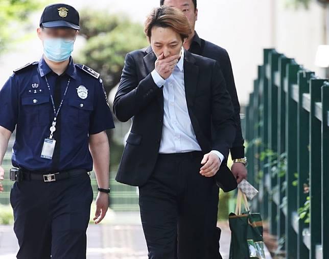 朴有天早前因為涉毒而被判緩刑。