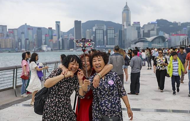 Hong Kong protests will put off 350,000 mainland Chinese tourists this year, HSBC estimates