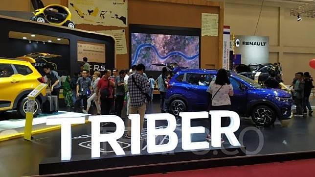 Renault Triber menjadi salah satu model yang banyak dikunjungi pengunjung GIIAS 2019. Minggu, 21 Juli 2019. TEMPO/Wawan Priyanto