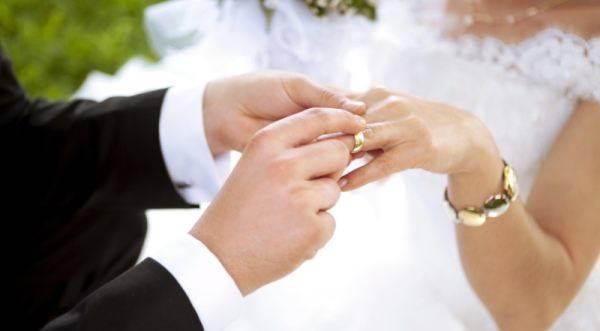 Cerita Yanti Putusin Pacar untuk Nikah Siri dengan Atasan, Demi Mobil dan Uang