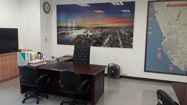 ▲韓國瑜將把市長辦公室遷往鳳山行政中心並與原本的海洋局對調。(圖/記者郭凱杰攝,2019.01.14)