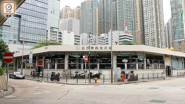 香港傳統特式排檔買少見少,有食客對市場快將結束感到可惜。(梁鎮濠攝)