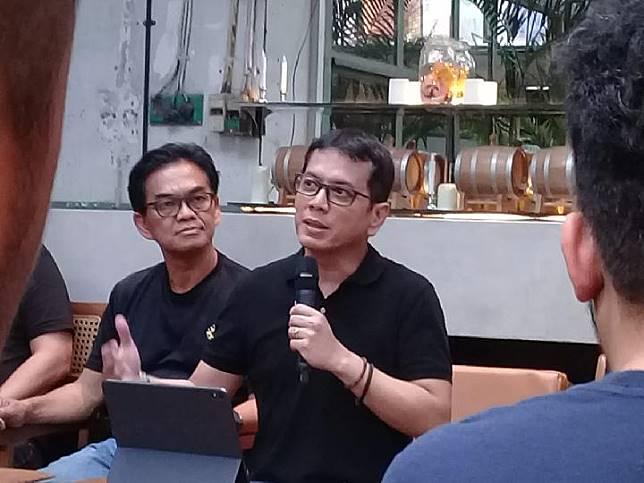 Menteri Pariwisata dan Ekonomi Kreatif Wishnutama Kusubandio saat jumpa media di Oeang Coffee Roastery, Jakarta Selatan, 5 November 2019. TEMPO/Bram Setiawan