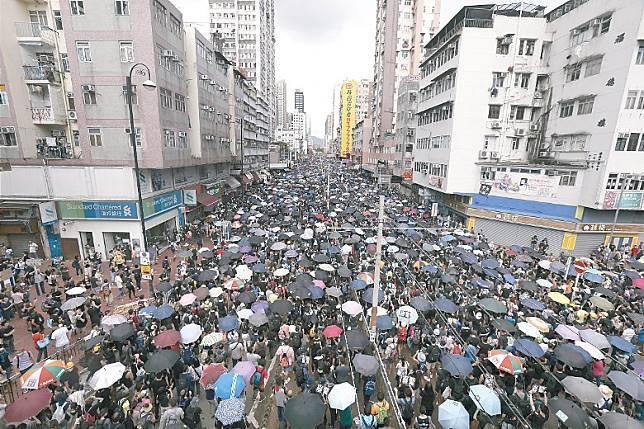 示威活動嚴重打擊零售業。