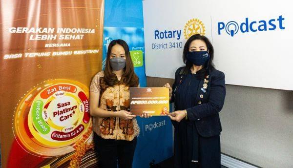 Donasi PT Sasa Inti kepada Rotary Club untuk pencegahan stunting
