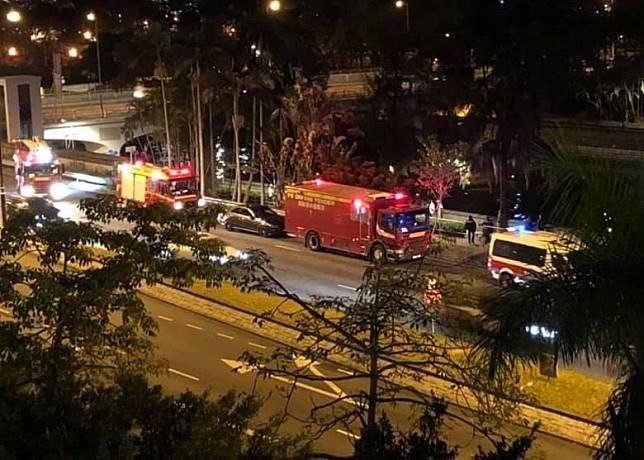 消防派出多輛消防車,潛水拯救車亦到場協助搜索。