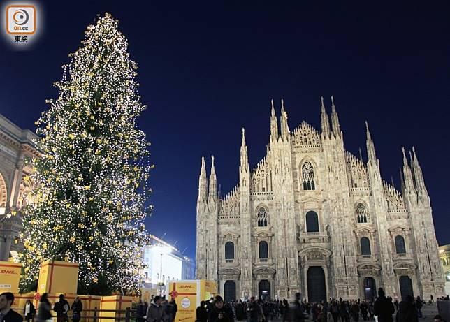 冬日歐洲,當然要去湊熱鬧逛聖誕市集或看雪景,米蘭來回經濟客艙票價只是HK$4,180起,好吸引呢!(互聯網)