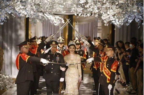 Pesta pernikahan Kapolsek Kembangan, Jakarta Barat, Komisaris Polisi (Kompol) Fahrul Sudiana.