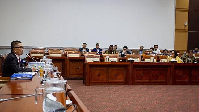 Suasana Rapat Dengar Pendapat antara Mantan Direktur Utama TVRI Helmy Yahya dengan Komisi I DPR RI di Kompleks Parlemen, Senayan, Jakarta, Selasa, 28 Januari 2020. ANTARA