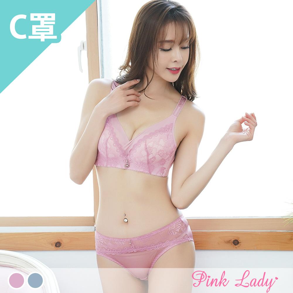 pinklady精選歐系典雅內衣無鋼圈完美包覆不壓迫爆乳後襯,雙峰集中超豐波唯美蕾絲,綻放美麗深溝搭配精緻墜飾,更顯優雅迷人氣息