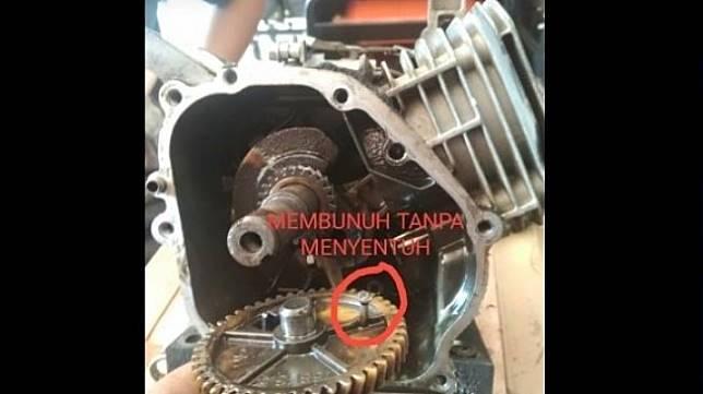 Motor Kena Santet. (Facebook/Tyo)