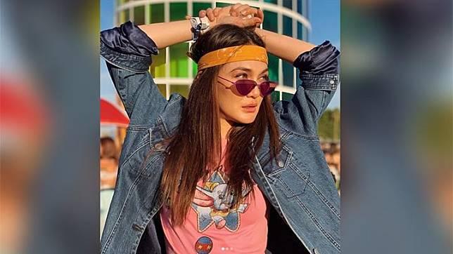 Luna Maya memposting foto dirinya saat menghadiri Festival Musik Coachella di Indio, California, Amerika Serikat pada akun instagramnya, 15 April 2019. Coachella merupakan Festival Musik terbesar di dunia yang dinantikan para pencinta musik internasional, yang mulai dibuka pada Sabtu (13/4). Foto/instagram/lunamaya