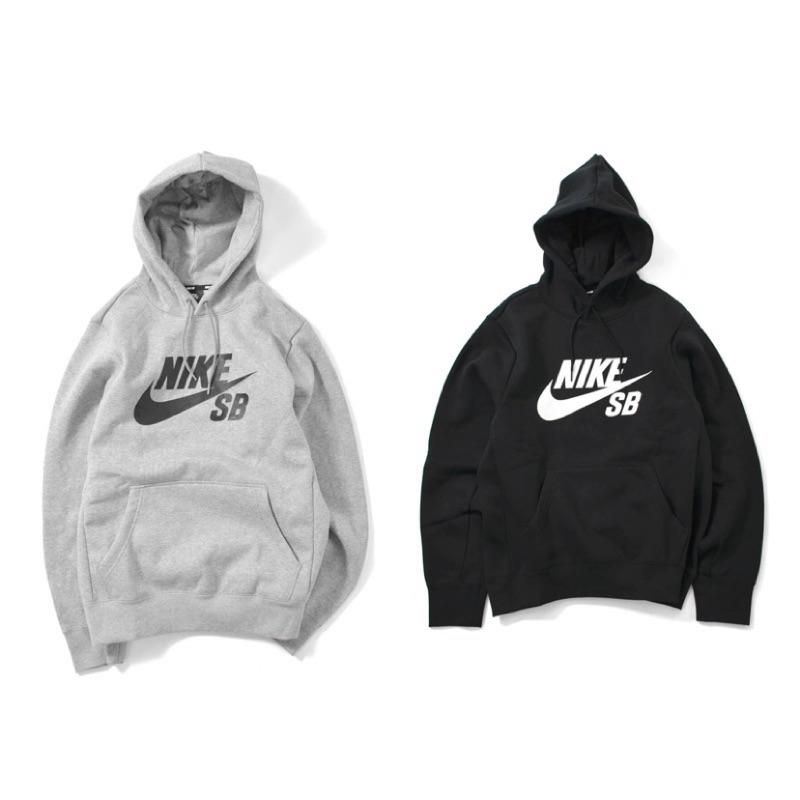 """商品Nike SB Logo 帽T 帽踢 內刷毛 黑 灰 全新正品 AJ9734-010 AJ9734-063尺寸XS~ XL狀況全新正品公司貨⚠️下單前可多使用""""聊聊"""",詢問是否還有庫存⚠️所有商品"""