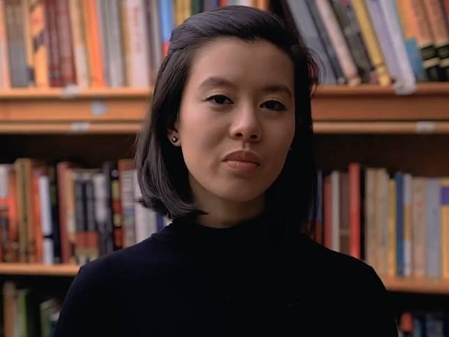郭佳怡早前拍攝片段,講述近半年香港反修例爭議,批評事件發生162日,聯合國未有表示支持香港。(網上圖片)