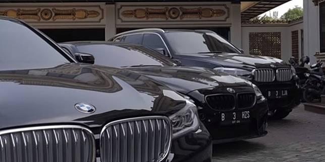 Kolekasi Mobil Sultan Muda Bekasi. Youtube/BMW Astra ©2020 Merdeka.com