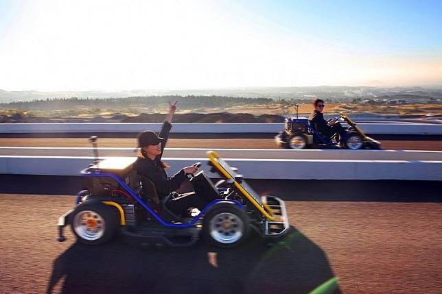新開幕的濟州9.81重力賽車公園,有全新賽車體驗,不用駕照都玩得。(互聯網)