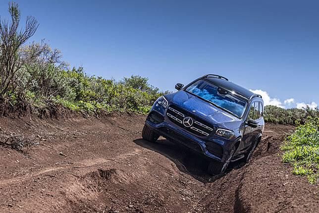REVIEW: Mercedes-Benz GLS, S-Classnya SUV
