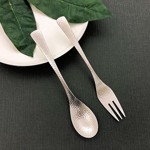 食品安全級304不鏽鋼n日本風味的鎚目紋,復古獨一無二的設計n吃排餐、義大利麵、喝濃湯、清湯都可用