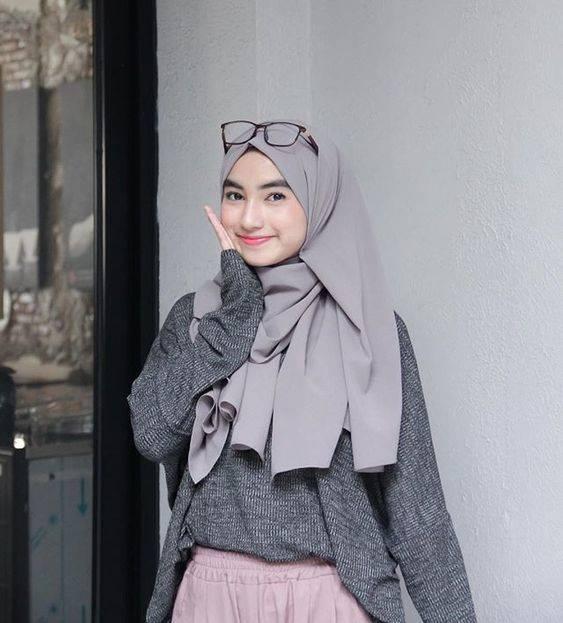 7 Tips Padu Padan Hijab Pashmina, Termasuk untuk Gaya Kondangan Simpel