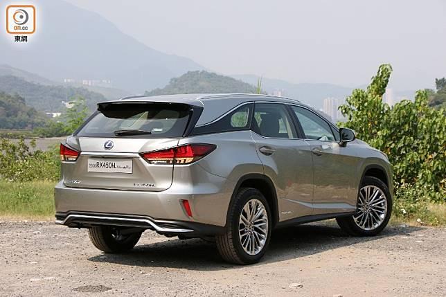 車身剛性通過額外焊點和搭載全新改良懸掛設計提高。(盧展程攝)