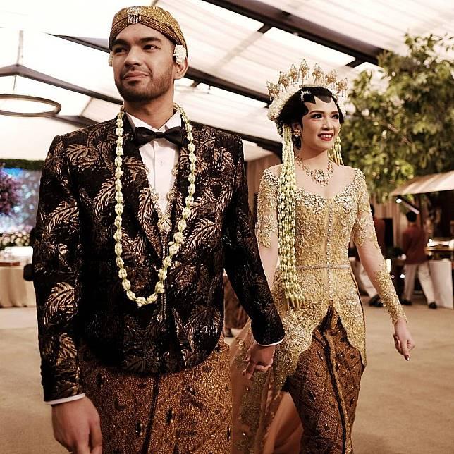 15 Inspirasi Tampil Ningrat Dengan Pernikahan Adat Jawa