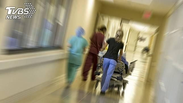 急診科醫師白永嘉透露最近急診室情形。(示意圖,與事件無關,TVBS)