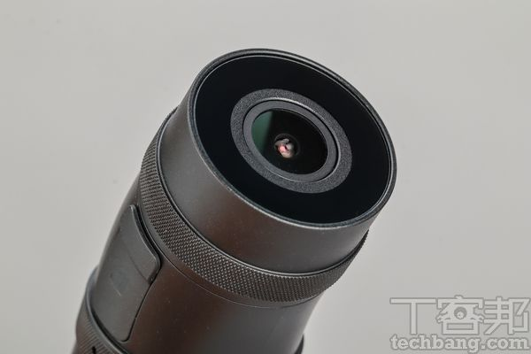 後鏡頭後鏡頭的規格與前鏡頭相同,均為Sony感光元件。