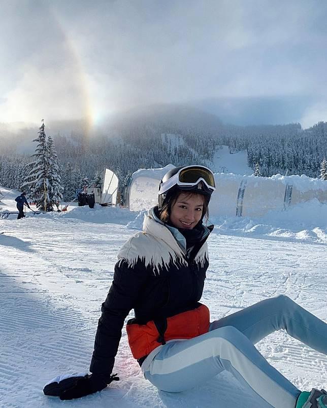 吳千語被指早前與富三代男友施伯雄拍拖去滑雪。