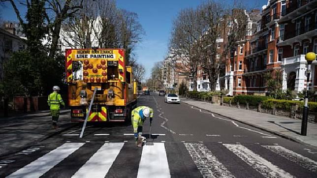 Turis Sepi di London Karena Lockdown, Saatnya Mengecat Abbey Road