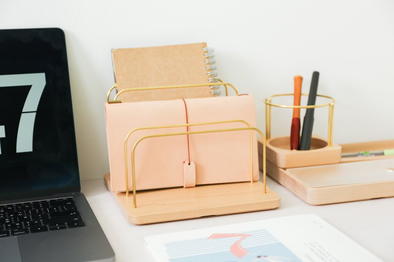 一起來為家裡妝點些新氣象吧! Jeantopia質感木裝飾,可搭配多樣豐富DIY素材, 創作個人特色裝飾小物非難事!