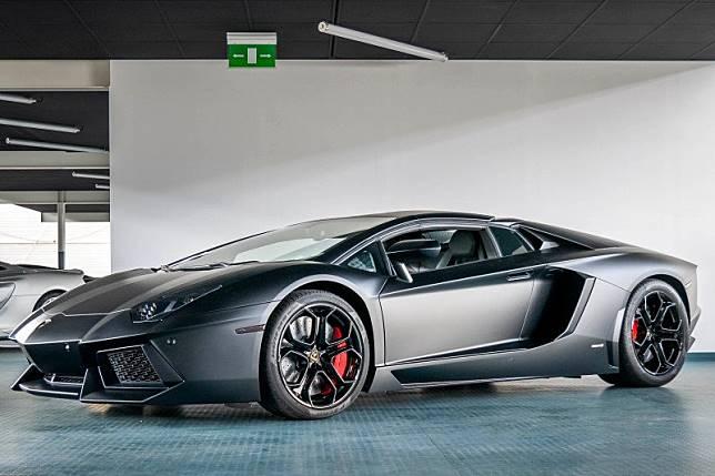 Lamborghini terbakar, Irwansyah sebut Raffi Ahmad