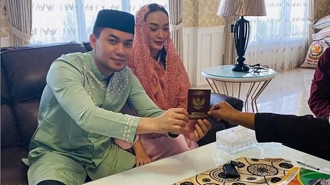 Zaskia Gotik dan Sirajuddin Mahmud telah menikah secara resmi. [Instagram]